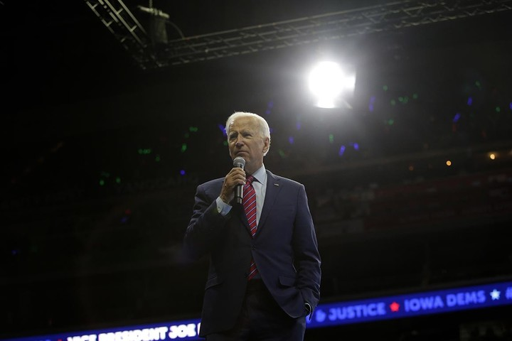 Bittigieg eclipses Biden in Iowa