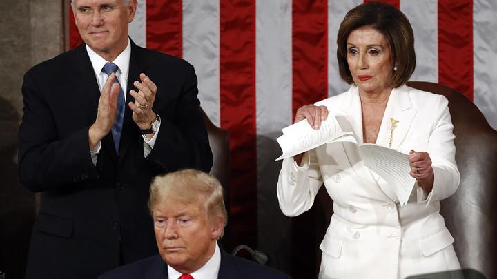 Pelosi rips up Trump's speech
