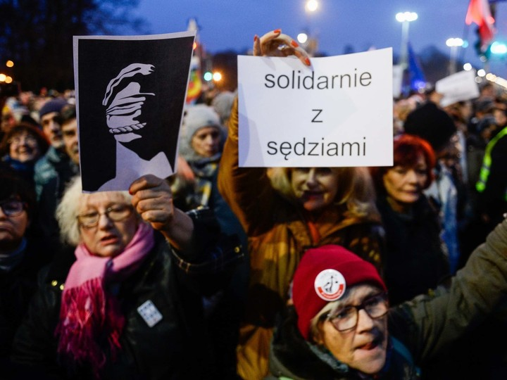 Poland might be leaving EU?