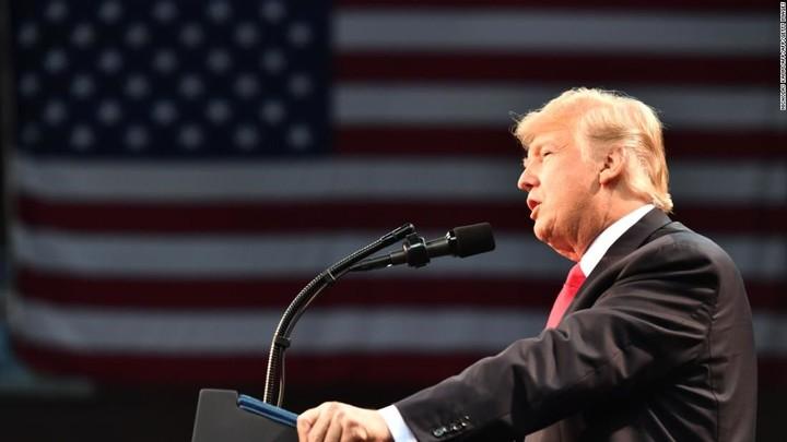 Trump publicly pretends impeachment is no big deal