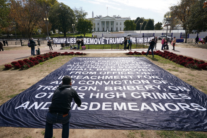 Hundreds of protesters to claim Trump's removal