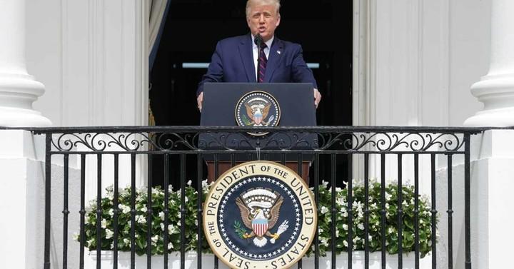 Trump Stuck at 42% Job Approval