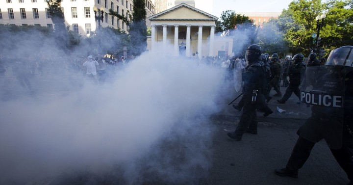 "US Park Police uses ""tear gas"" in new statement. Earlier, said using term was a ""mistake."""