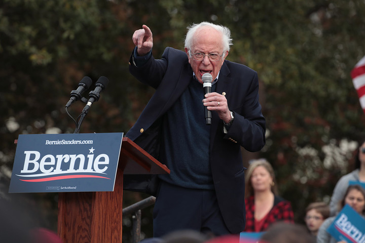 Sanders in command ahead of Super Tuesday