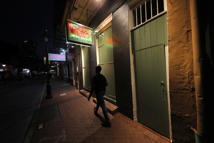 Let the good times ... hold. Virus recloses New Orleans bars