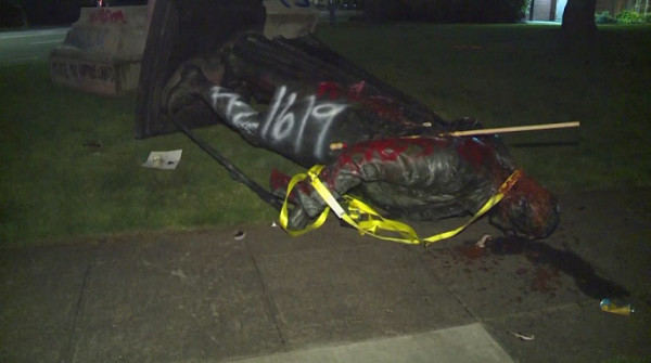 Group topples George Washington statue in NE Portland