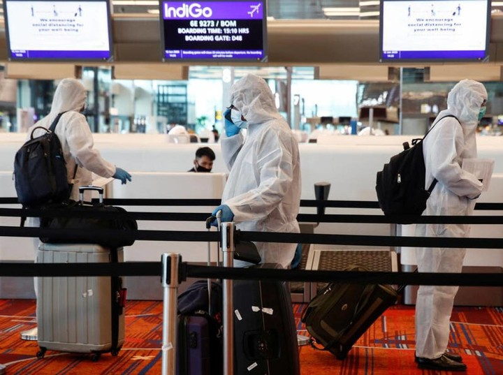Singapore to make quarantined travellers wear electronic tags