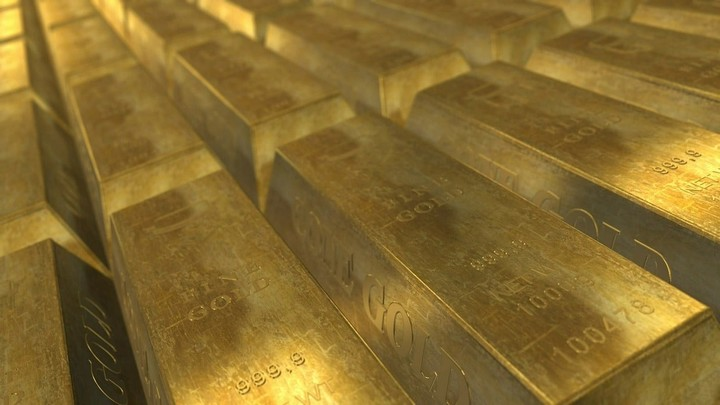 Spike in gold puts dollar's reserve status in question: Goldman Sachs