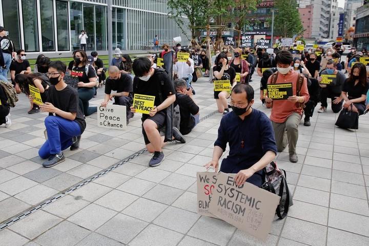 Protests worldwide embrace 'Black Lives Matter' movement