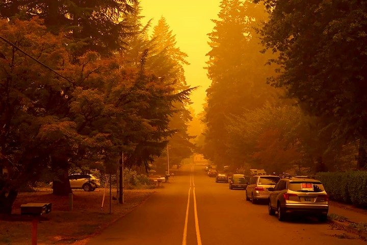 Latest: 500,000 people in Oregon forced to flee wildfires