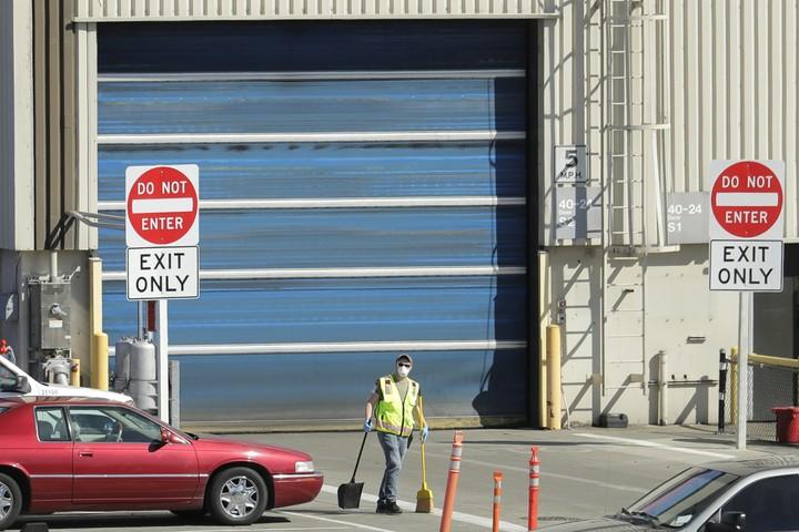 Factory shutdowns near WWII demobilization levels in US