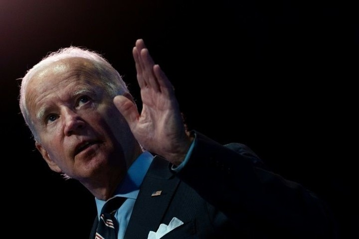 Biden faces US voters at town hall, Trump heads back to Wisconsin