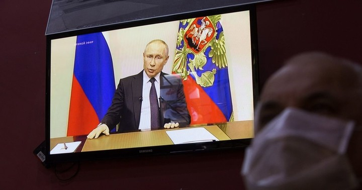 Putin Seizes Moment to Rule Until He's 83 Amid Fading Popularity
