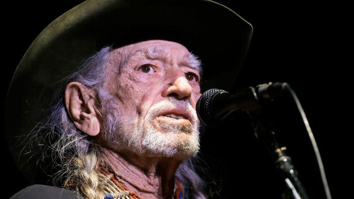 Willie Nelson celebrates 4/20 with star-studded livestream