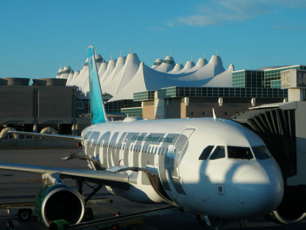 Frontier Airlines Will Guarantee Empty Middle Seat For $39