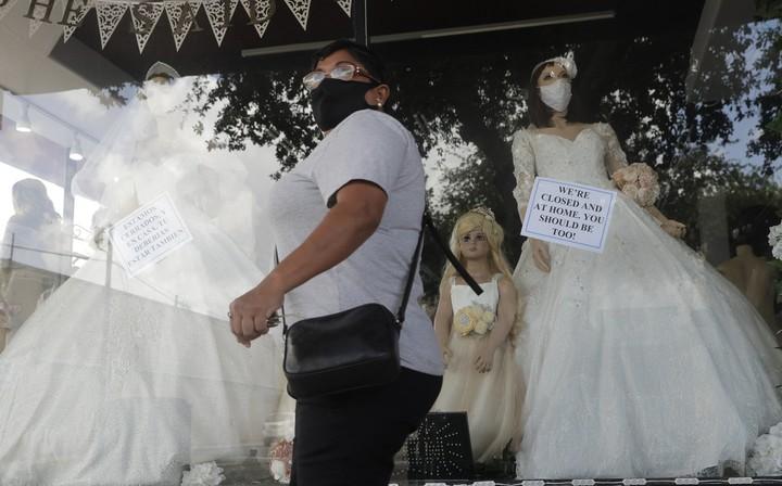 Record economic plunge, bleak jobs numbers reveal virus toll