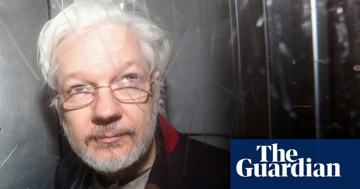 Trump offered Assange a pardon if he denies Russia link?