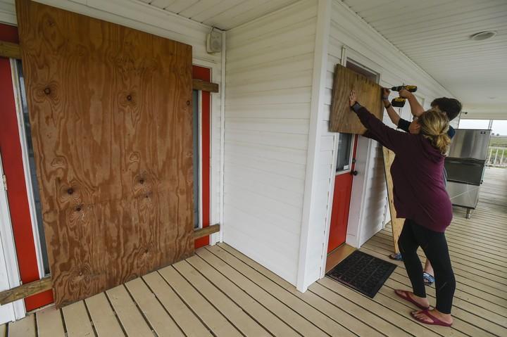 Battered Louisiana coast braces for 1 more: Hurricane Delta