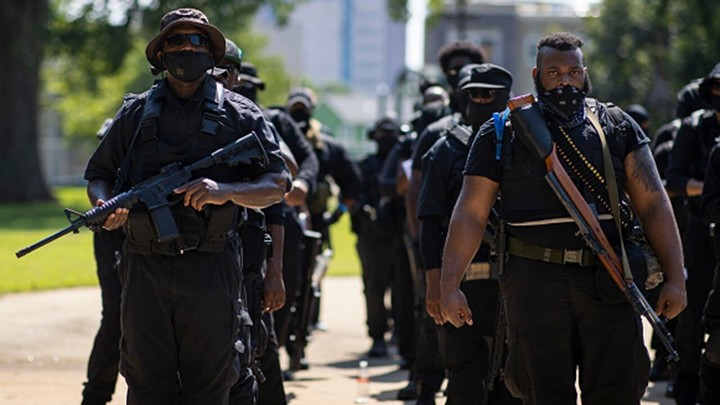 Too funny! Louisville protests descend into chaos when armed protester accidentally shoots members of his group, injuring 3