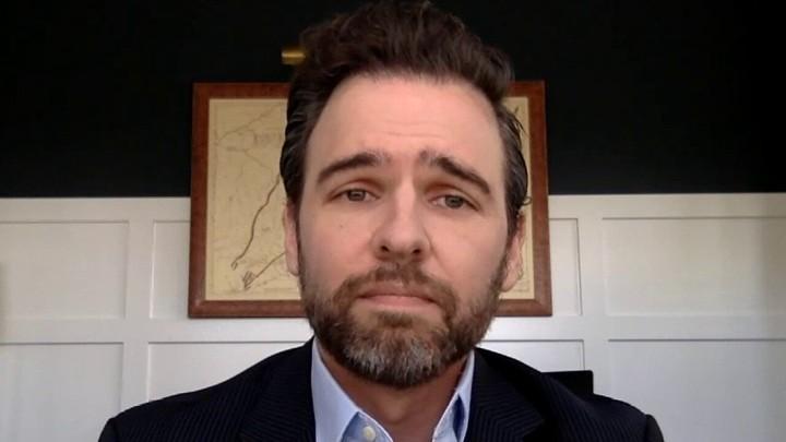 Former DOJ spokesman Ian Prior suggests original FBI report on Flynn interview was 'intentionally lost'