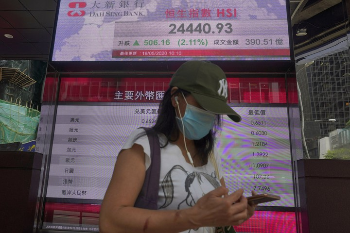 Asian stocks up on hopes for vaccine and economies reopening