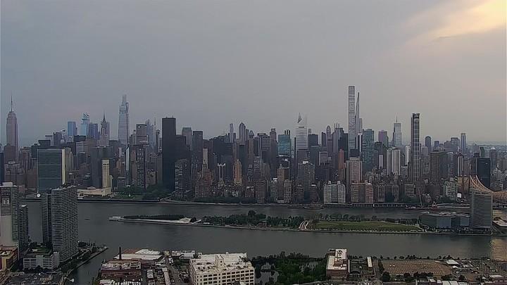 New York City population hits 8.8 million