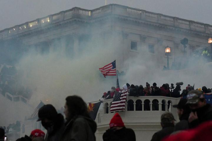 Senate Republicans vote to STOP commission to investigate Capitol riot