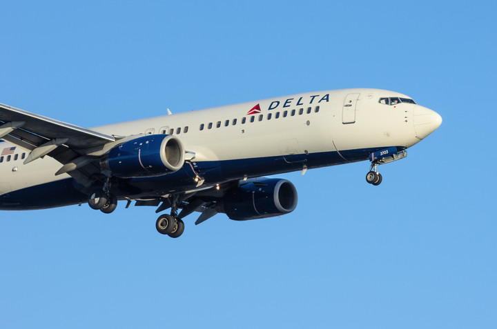 Delta reports first profit since 2019 thanks to federal aid, improving revenue as travelers return