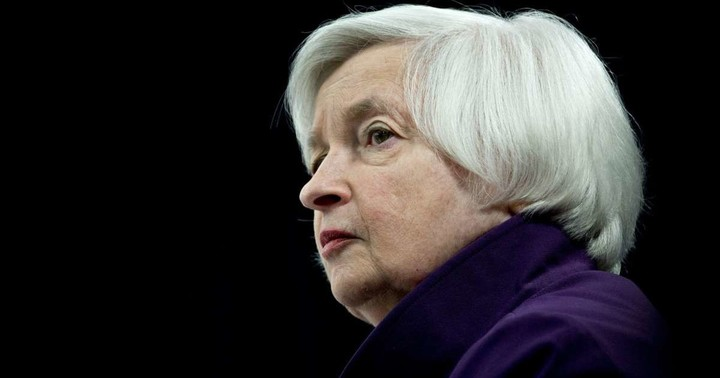 Yellen Tight-Lipped on Report She's in Mix as Treasury Secretary