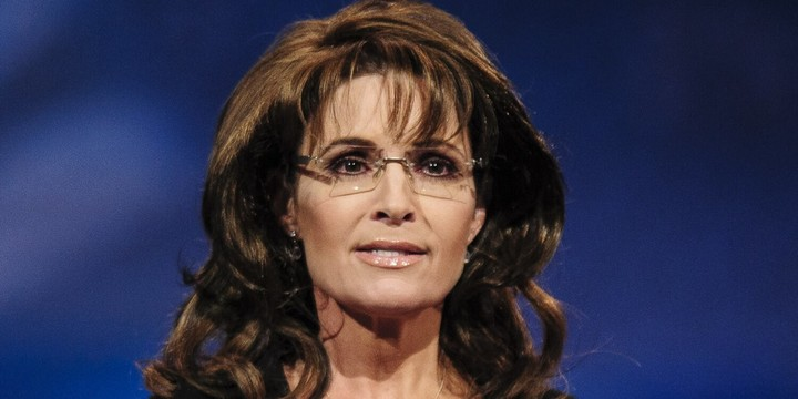 Sarah Palin Reveals COVID Diagnosis and 'Bizarre' Symptoms, Urges Others to Continue Wearing Masks