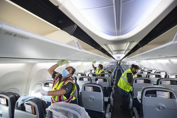 Coughing, sneezing, vomiting: Visibly ill people aren't being kept off planes