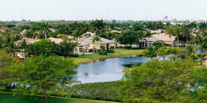 Insurance Costs Threaten Florida Real-Estate Boom