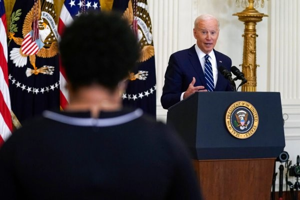"""Joe Biden Sails Through Debut POTUS Press Conference; """"Hired To Solve Problems, Not Create Division,"""" He Says In Swipe At Trump – Review"""