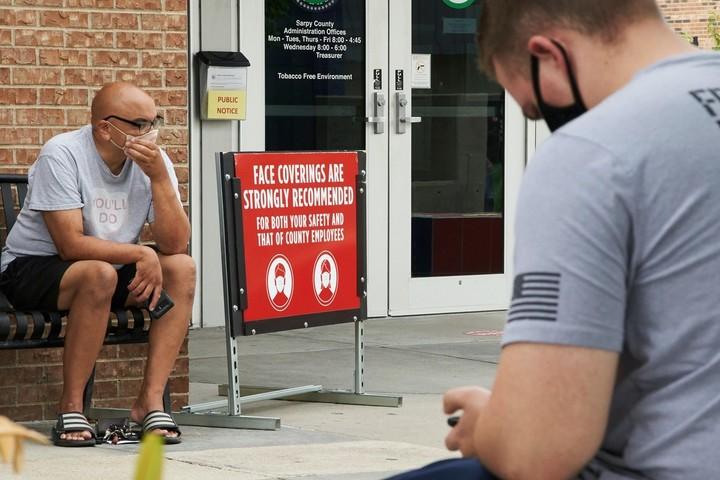 Health Officials Face Death Threats From Coronavirus Deniers