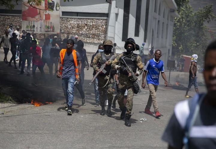 U.S. citizen detained in brazen slaying of Haiti president