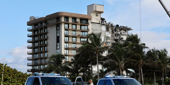 Miami-Area Condo That Collapsed Skirted Local Codes With Penthouse