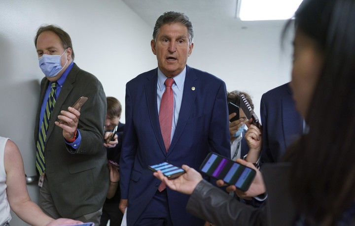 Manchin's opposition clouds future of Dems' elections bill