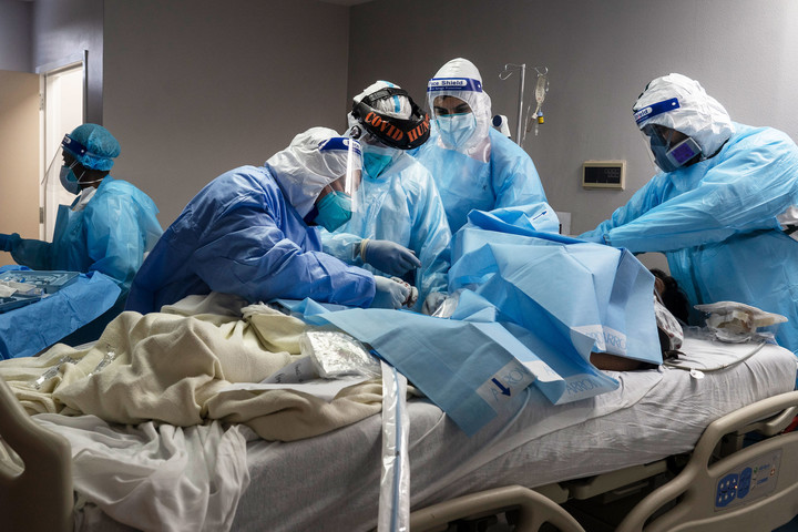U.S. prepares for worst four months of the pandemic as it stares down the 'darkest' days yet
