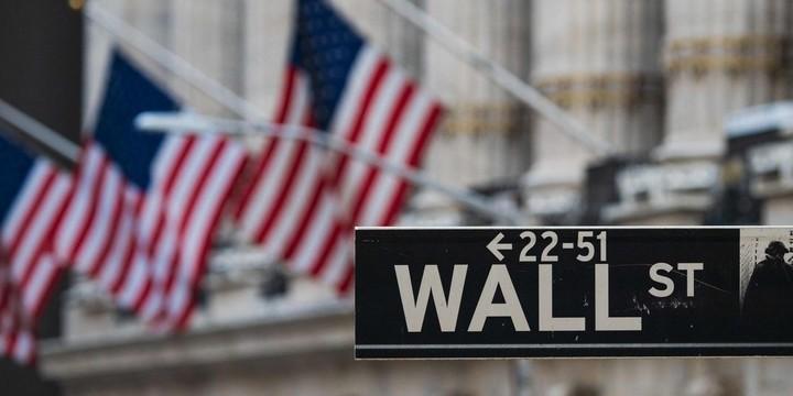 Dow tops milestone at 35,000, but Nasdaq skids 1.5% as social-media stocks swoon