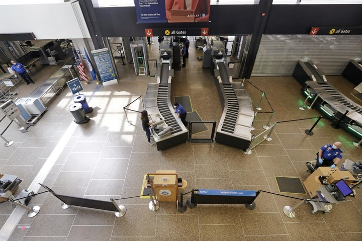 FAA says US airports will get $8 billion in pandemic relief