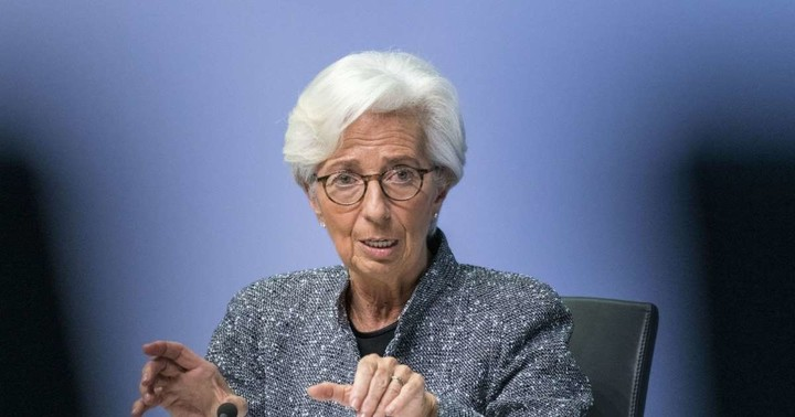 Lagarde Says Her 'Hunch' Is That ECB Will Adopt Digital Currency