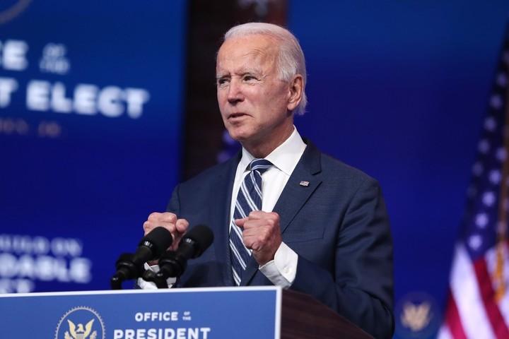 Biden names former Alito clerk to top White House job