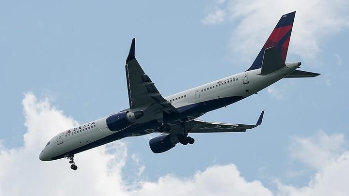 Flight bookings plummet amid delta variant fears
