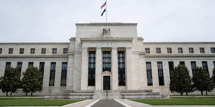 Fed Officials Could Pencil In Earlier Rate Increase at Meeting
