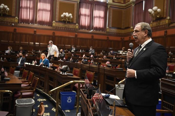 CT House passes bill ending religious vaccine exemption