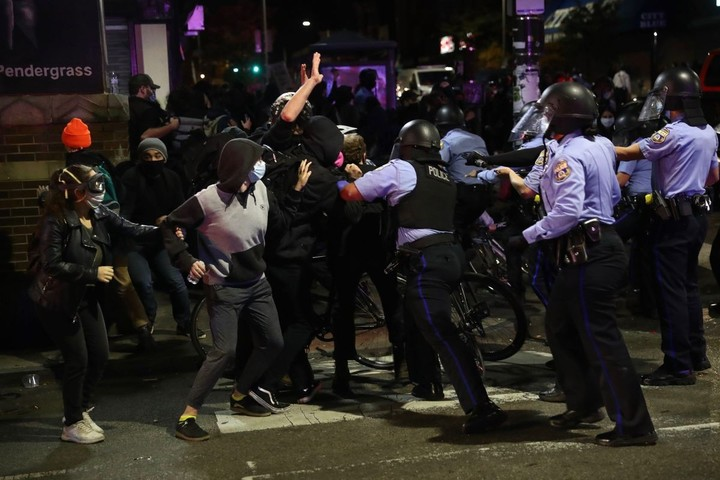 Ahead of National Guard arrival in Philly, tensions flared for a second night after police killed Walter Wallace Jr.
