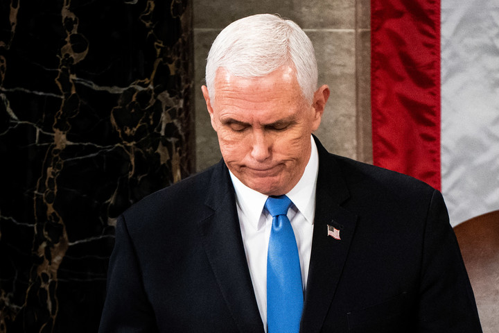 U.S. trade group asks VP Pence to 'seriously consider' invoking 25th Amendment to remove Trump