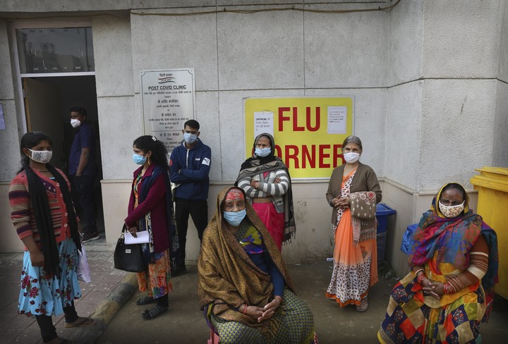 India's dramatic fall in virus cases leaves experts stumped