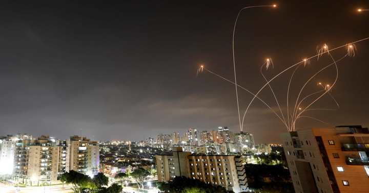 Israel strikes Gaza, Hamas fires rockets after hundreds of Palestinians wounded in clashes