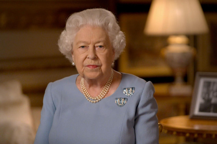 'Saddened' Queen responds to Meg's race claims saying 'recollections may vary'